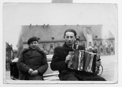 Bud Brodecki, Jan. 1940