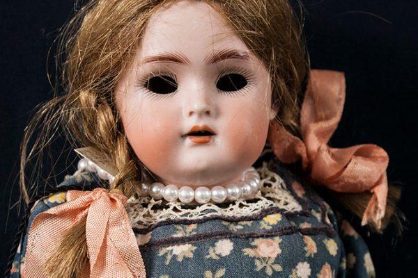 2008.71.679_Hirsch-Doll-Feature