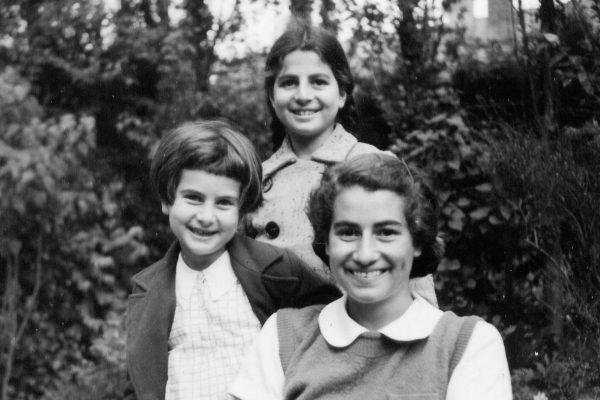 Elizabeth Gomperts (Schneider) and her sisters