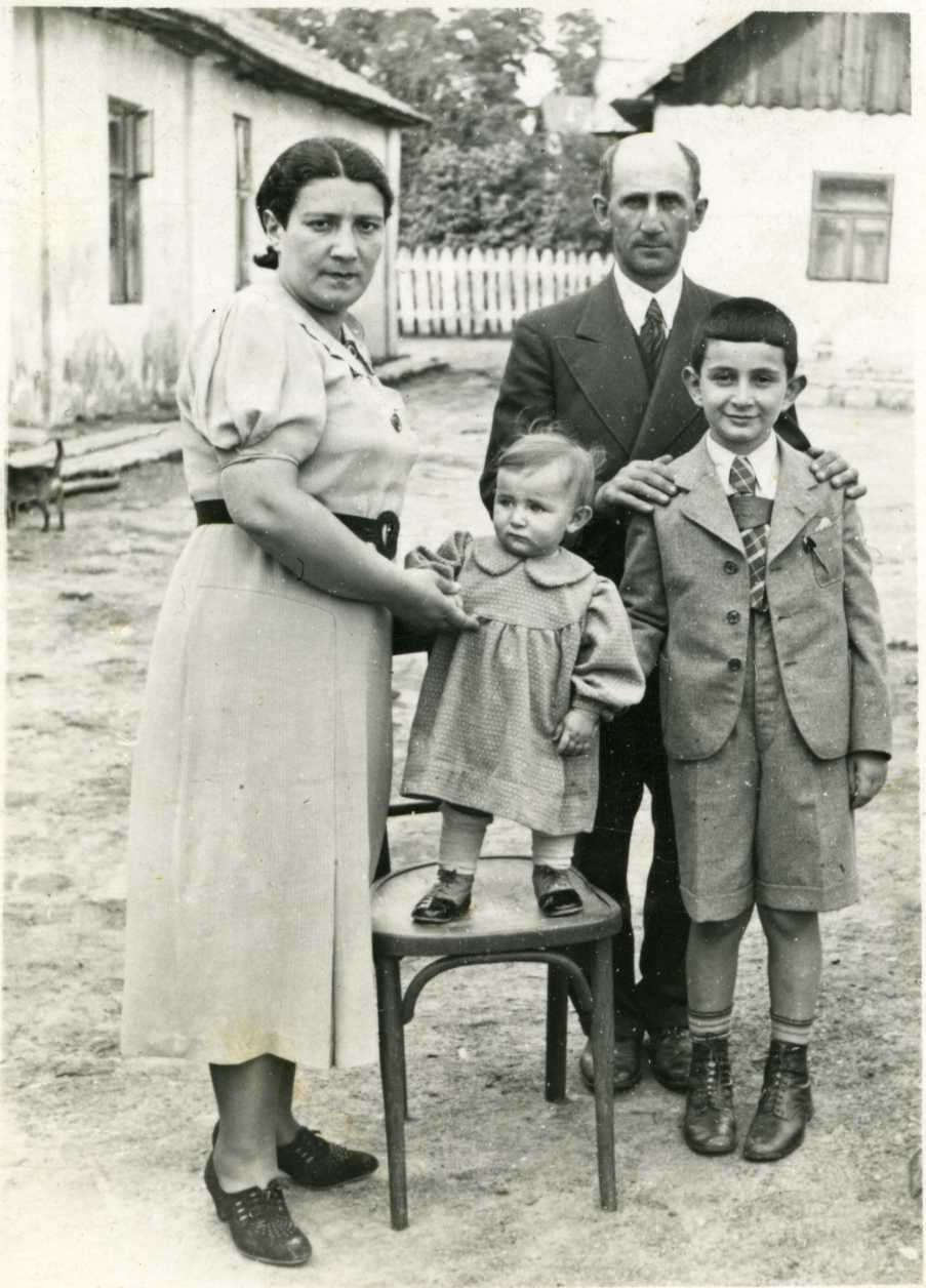 L-R_Ida's Aunt Lorka, Uncle Chaim Beiler, cousins Emil & Lucia, 1938 (Holocaust Victims)
