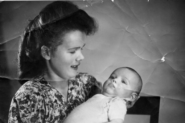 Simone-&-son-Maurice-1947-Germany-web