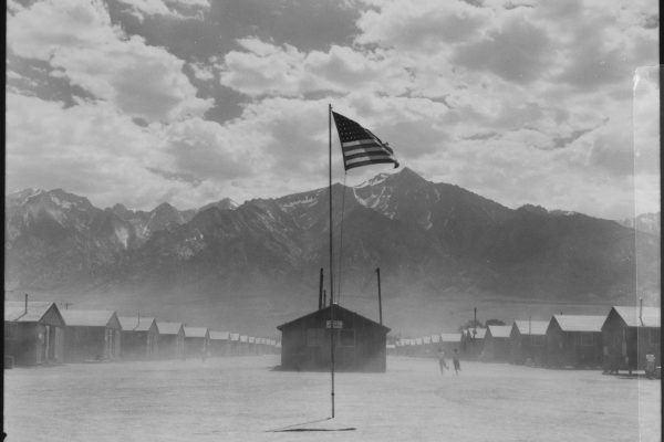 Photograph_of_Dust_Storm_at_Manzanar_War_Relocation_Authority_Center